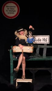 Theater Maskotte -Angsthase Leopold